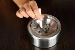 Metall-Aschenbecher-Pflege